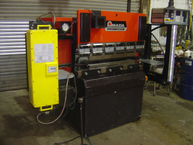 Used Amada Promecam IT 2512 CNC hydraulic pressbrake